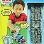 Thomas tank take & play flexi track - £4.99 instore @ Smyths