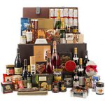 John Lewis Hampers - big reduced to clear offers on selected hampers including their £800 hamper reduced to £500