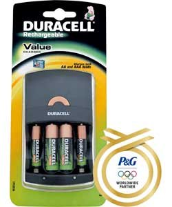 duracell value battery charger with 2xaa 2xaaa batteries. Black Bedroom Furniture Sets. Home Design Ideas