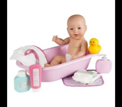 tesco emmi baby and bath set 15 instore but 11 online. Black Bedroom Furniture Sets. Home Design Ideas