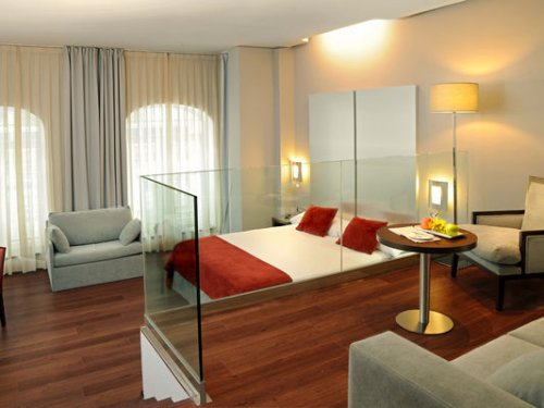 Bilbao four star hotel sercotel coliseo 2 nights for Cuarto de hotel 5 estrellas