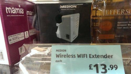 medion plug in wifi range extender aldi hotukdeals. Black Bedroom Furniture Sets. Home Design Ideas