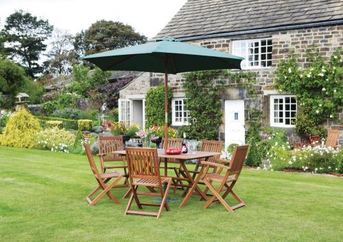 Wentworth 7 piece garden furniture set instore focus was for Garden furniture deals