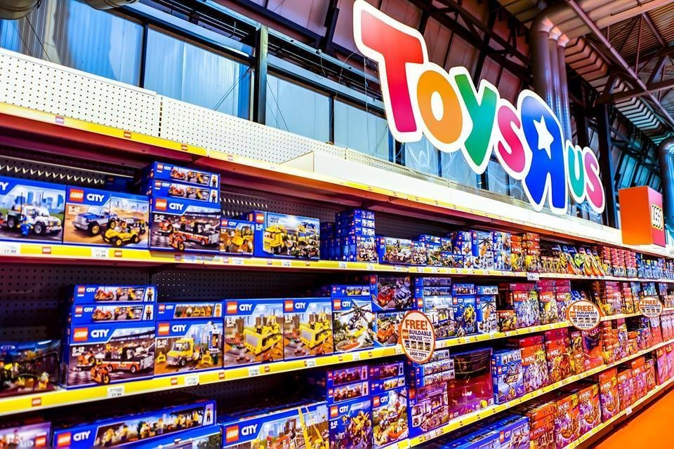 Toys R Us will be closing or selling all of its US stores after filing a motion to liquidate its US business last week. The toy retailer had filed for Chapter 11 bankruptcy protection in.